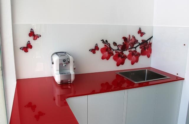 הדפסה על זכוכית למטבח