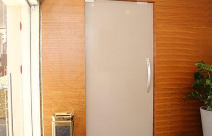 ויטרינות ודלתות כניסה